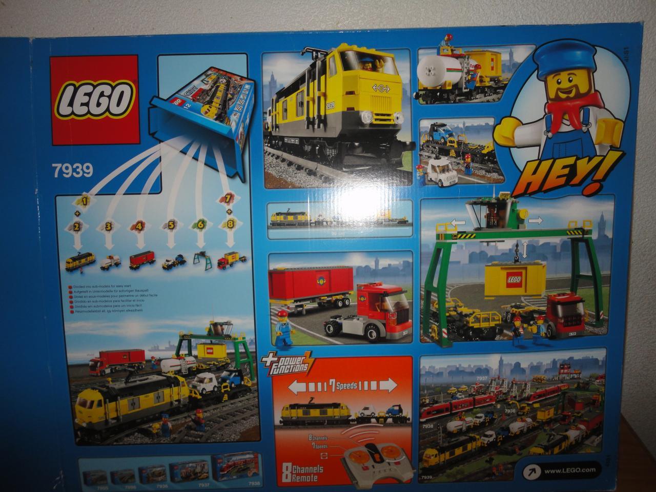 7939 le train de marchandises de lego. Black Bedroom Furniture Sets. Home Design Ideas