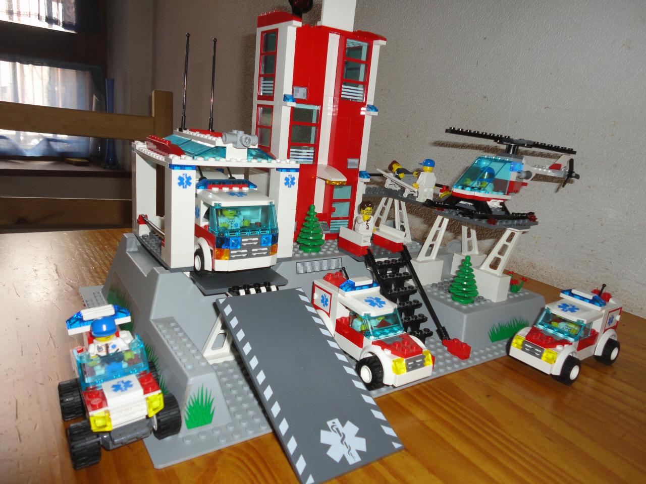 26 avril 2011 l 39 h pital 7892 - Lego city a colorier ...